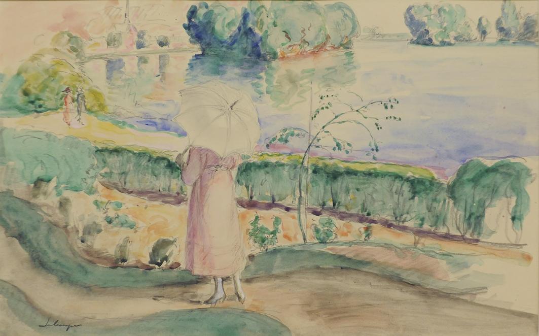 Jeune femme promenade dans le parc